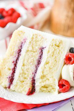 Berry Mascarpone Layer Cake – layers of moist vanilla cake, fresh berry filling … Berry Mascarpone Layer Cake – layers of moist vanilla cake, fresh berry filling and whipped mascarpone frosting! Best Fruitcake, Mascarpone Cake, Cake Recipes, Dessert Recipes, Fruit Recipes, Healthy Recipes, Moist Vanilla Cake, Spring Cake, Salty Cake