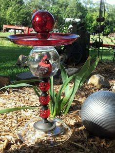 """Cardinal Under Glass"" Designs with Flare. BIRD FEEDER YARD ART"