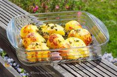 Découvrez Comment faire des Pommes de terre rôties (végane)... simples et délicieuses comme en Angleterre. Cela vous dit ? Vous venez voir ?