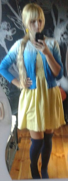 Yellow dress/hig knee socks/blue  Angel-a