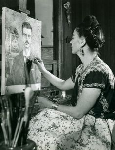 Frieda Kahlo paints her father, 1946