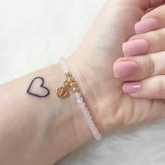 small heart tattoo … – tattoos for women small Wrist Tattoos, Mini Tattoos, Trendy Tattoos, Love Tattoos, Body Art Tattoos, Tatoos, Stomach Tattoos, Hand Tattoos Girl, 100 Tattoo