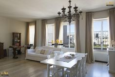Splendid flat for sale in the centre of Milan Sale