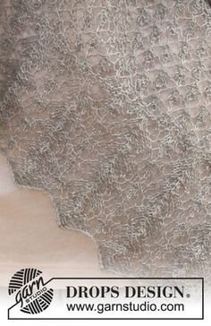 """Knitted DROPS shawl with lace pattern in """"Lace"""". ~ DROPS Design"""