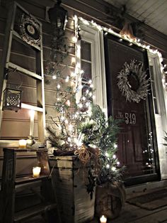 front porch decor.....add flicker candles!!