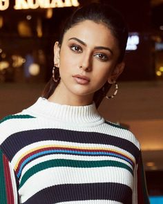Repost Decembering with the coolest looks only on makeup… – Trend Magazine Beautiful Indian Actress, Beautiful Actresses, Jennifer Winget Beyhadh, Indian Photoshoot, Trends Magazine, King Queen, Indian Beauty, Bollywood Actress, Indian Actresses