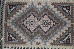 Wool Rug : Exquisite Navajo Wool Rug by Gladys by CulturalPatina Navajo Weaving, Navajo Rugs, Navajo People, Santa Fe Trail, Weaving Tools, American Indian Art, Native American, Muted Colors, Pattern Fashion