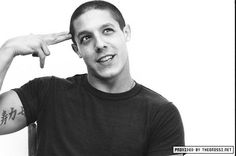 Theo Rossi.