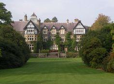 http://upload.wikimedia.org/wikipedia/commons/e/e4/Bodnant_house_October_2005.jpg