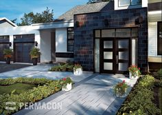 Browse the : Inspiration page from Permacon, the specialist in landscaping and masonry! Landscaping With Boulders, Landscape Pavers, Front Yard Landscaping, Landscape Design, Modern Exterior, Exterior Design, Driveway Paving, Driveway Ideas, Walkway