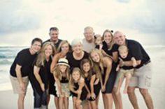 Cute large family photo, colors co-ordinated