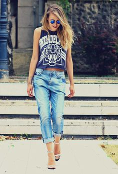 21 Fashionable Spring Outfit Inspiration. I really need some boyfriend jeans! Maybe I'll just steal some of Nathan's....
