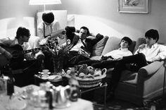 Harry Benson, Beatles and Brian Epstein, Paris 1964. TASCHEN Books