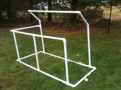 """It's 1 1/4"""" pvc pipe, 6' long and the front wall is 3' high. Heres the link for the plans: http://www.huntingnet.com/fieldjournal/fieldjournal_detail.aspx?"""