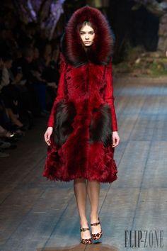 Dolce & Gabbana - Prêt-à-porter - Automne-hiver 2014-2015 - http://www.flip-zone.fr/fashion/ready-to-wear/fashion-houses-42/dolce-gabbana-4602 - ©PixelFormula