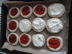 Kváskové koláčky Pudding, Cookies, Desserts, Food, Biscuits, Meal, Custard Pudding, Deserts, Essen