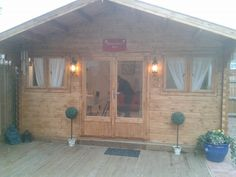 Hair Salon/ Log cabin Shabby Chic