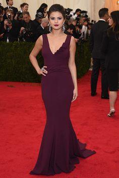 Red carpet del Costume Institute Gala 2014: Selena Gomez en Diane Von Furstenberg