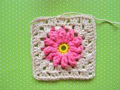 FIFIA CROCHETA blog de crochê : quadradinho de crochê com flor passo a passo