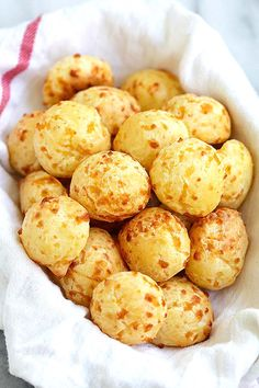 Brazilian Cheese Puffs - fully loaded Pão de Queijo with Parmesan cheese. These cheese puffs are addictive and taste just like Brazilian restaurant's | rasamalaysia.com