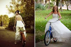 Escolher uma maneira para chegar na cerimônia do seu casamento pode ser muito divertido. Sem dúvida a maioria das noivas escolhem um carro normal, mas o que está ganhando espaço nos casamentos de hoje são os carros retrô. Mas, e se vocÊ for uma amante de bicicleta e quiser chegar no seu casamento com uma? Pode ser divertido! A outra opção é usar a bicicleta como elemento de decoração do casamento! Principalmente as mais antigas e cheias de estilo. Tudo a ver com um casamento sustentável, ou…