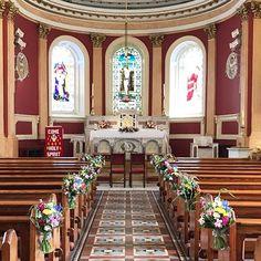 Pretty #pewend jars at Douglas Church #churchwedding #weddingflowers #weddingdetails #irishflorist #irishwedding #corkwedding #bloomsdayflowers