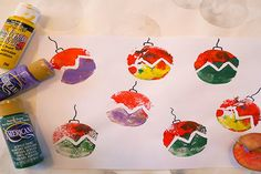 Keep little ones busy on the run up to Christmas with this bauble potato printing craft. Christmas Crafts For Toddlers, Toddler Christmas, Xmas Crafts, Crafts To Make, Christmas Holidays, Christmas Bulbs, Christmas Gifts, Christmas Decorations, Christmas Potatoes