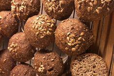 Verdens beste lavkarbo rundstykker Muffin, Food And Drink, Cookies, Chocolate, Baking, Breakfast, Desserts, Recipes, Usa