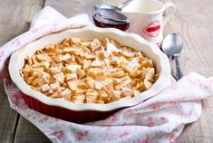 If you love pumpkin pie, this is the french toast casserole for you! This yummy casserole is done in under 1 hour and will give your breakfast a new twist. Pumpkin Spice Syrup, Pumpkin Puree, Pumpkin French Toast, Bread Mix, French Toast Casserole, What's For Breakfast, Vegetarian Cheese, Just Desserts, Macaroni And Cheese