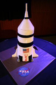 Saturn V cake