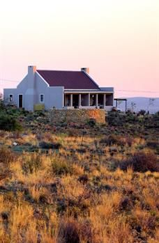 Karoo View 4 Star Cottages - Travel South Africa - Food and Home Lake House Plans, Cottage House Plans, Cottage Homes, Nutec Houses, Farm Houses, Small Houses, Pioneer House, Cape Style Homes, House Plans South Africa