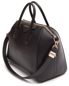 Imagem de http://www.stormfashion.dk/uploads/products/storm/satchel-bag-givenchy_givenchy_bags-sleeves-covers_storm_5.jpg.