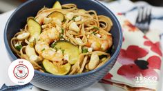We've teamed up with Operation Transformation to bring you a delicious Pad Thai recipe that's perfect for dinner or a lunch box. Thai Recipes, Real Food Recipes, Easy Pad Thai, Whole Wheat Noodles, One Pot Dinners, Thai Dishes, Chicken Casserole, Serving Plates, Quick Easy Meals