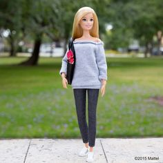 This off-the-shoulder top makes a perfect off-duty look! #barbie #barbiestyle