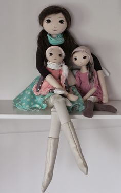 RomaSzop: Czy to już nowy rok?Discover thousands of images about Jabłonka – roma krasnalinka, handmade doll by romaszop Doll Sewing Patterns, Sewing Dolls, Doll Crafts, Diy Doll, Creation Couture, Little Doll, Waldorf Dolls, Soft Dolls, Fabric Dolls