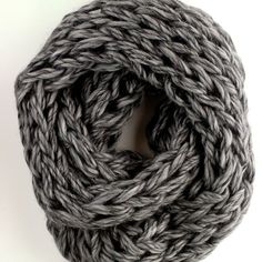 Amazing cowl scarf for Christmas eve. #loopscarf #infinityscarf #circlescarf…