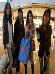 Shopping at Harbour City, Tsim Sha Tsui, Kowloon Hongkong