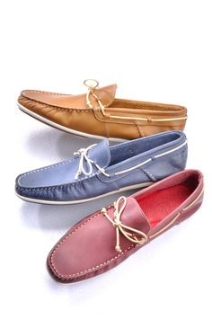 Hop on Hip Shoes! Shop now @ http://www.central.co.th/th/index2.php?l1=6=MEN  #CentralOnlineShopping #men #style #fashion #pastel #shoes #stylish #shop #CarloBasano #Genuine #Authentic
