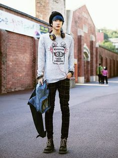 cool Asian men's fashion. <- that I wouldn't mind wearing either... by…
