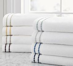 Attirant Pottery Barnu0027s Bathroom Linens Are Perfect For Easy Bathroom Updates. Find  Towels, Robes, Shower Curtains And More And Create A Refreshing Retreat At  Home.