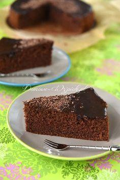 Klasyczny przepis na ciasto murzynek. To pyszne, proste i szybkie do przygotowania, kakaowe ciasto. Murzynek z tego przepisu jest wilgotny,...