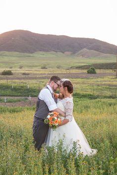 plus size bride, curvy brides, pretty pear bride | Pretty Pear Bride | Photography: Jennifer Demo Photography | Read more: http://prettypearbride.com/real-plus-size-wedding-vineyard-wedding-in-california-wine-country-jennifer-demo-photography/