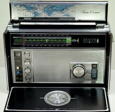 Zenith world band receiver