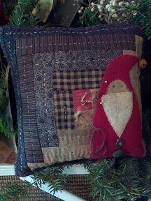 Santa Pincushion by Cheri Payne Christmas Applique, Christmas Sewing, Noel Christmas, Christmas Pillow, Primitive Christmas, Christmas Crafts, Xmas, Motifs Applique Laine, Wool Applique Patterns