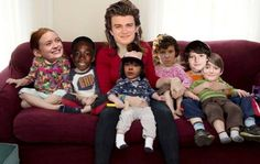 Lonnie postmama steve and kids Stranger Things Funny, Stranger Things Netflix, Stranger Things Season, Saints Memes, Joe Keery, Home For Peculiar Children, A Series Of Unfortunate Events, Netflix Series, Kawaii