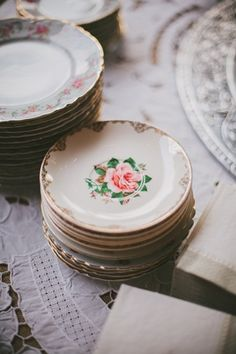 place setting. Going to keep my eye out for something similar at the antique mall.