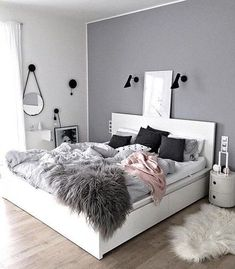 Ingesloten afbeelding #bedroomdecor #bedroom #bedromideas #bedroomdesign #bedroominteriordesign #bedroomhomedecor #decor #homedecor