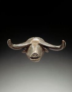 Object type mask Materials wood, metals > copper (and alloys) Place of collecting Democratic Republic of the Congo > Katanga > Tanganyika Culture Tabwa Dimensions cm x cm African Women, African Art, Animal Masks, Tribal Patterns, African Masks, Tribal Art, Congo, Lion Sculpture, Skull
