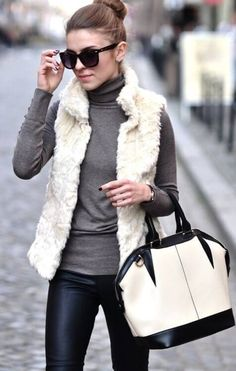 10 Amazing Outfits with Faux Leather Leggings | Page 2 of 10
