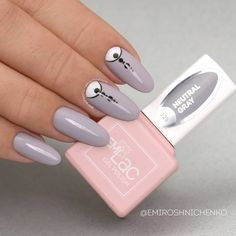72 отметок «Нравится», 2 комментариев — E.Mi Official (@emi_official_world) в Instagram: «The long nails are back in trend! Adorn the subtle look of your #EmiManicure with details —…»